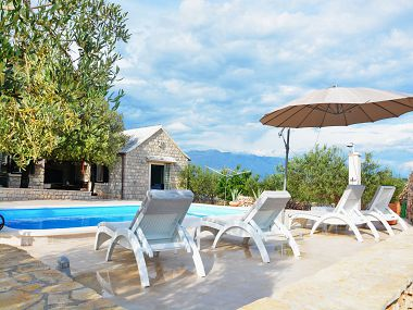 Holiday home H(4+2) Pucisca - Island Brac  - Croatia
