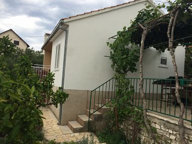 Holiday home Marija H(2+2) Mastrinka - Island Ciovo  - Croatia