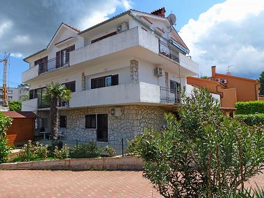 Apartments A1(8+2) Njivice - Island Krk