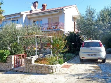Apartments A1(6) Njivice - Island Krk