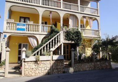 Apartments Tom A3(2+2), A4(2+2) Vodice - Riviera Sibenik