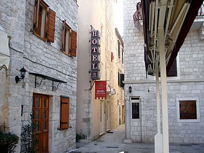 Hotel - 3 STAR Hotel in historical city center - Trogir - Riviera Trogir  - Croatia
