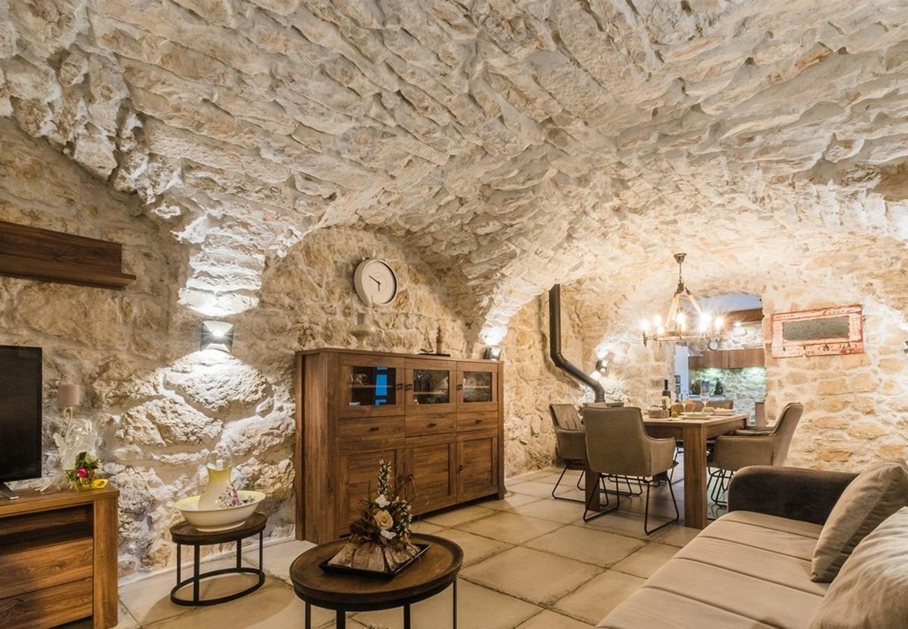 Vila Holiday house Leonarda - luxury stone house: Tribalj, Riviera Crikvenica 53423, Tribalj, , Regiunea Split-Dalmatia
