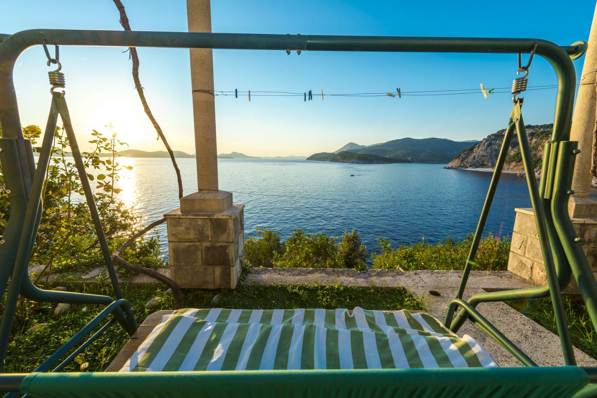 Apartamente Apartment Dia - 30 m from sea: A1 Zaton (Dubrovnik), Riviera Dubrovnik 52768, Stikovica, , Rajoni i Splitit/Dalmacisë