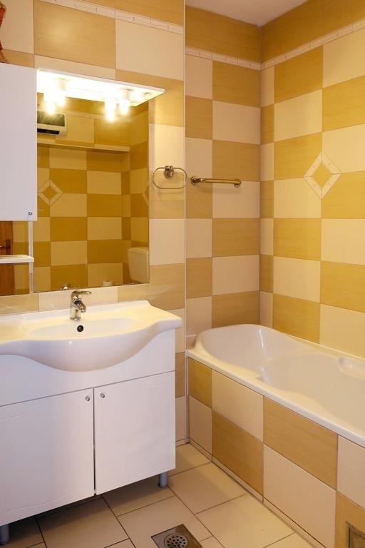 Apartman Apartment Biljana - 150 meters from pebble beach: A4 Gradac, Riviera Makarska 51044, Gradac, , Splitsko-dalmatinska županija