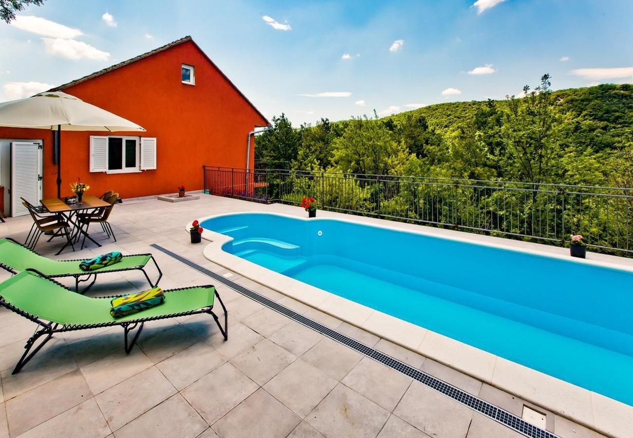 Willa Holiday house Brapa - open swimming pool: Hrvace, Riviera Split 52823, Hrvace, , Region Split Dalmacja