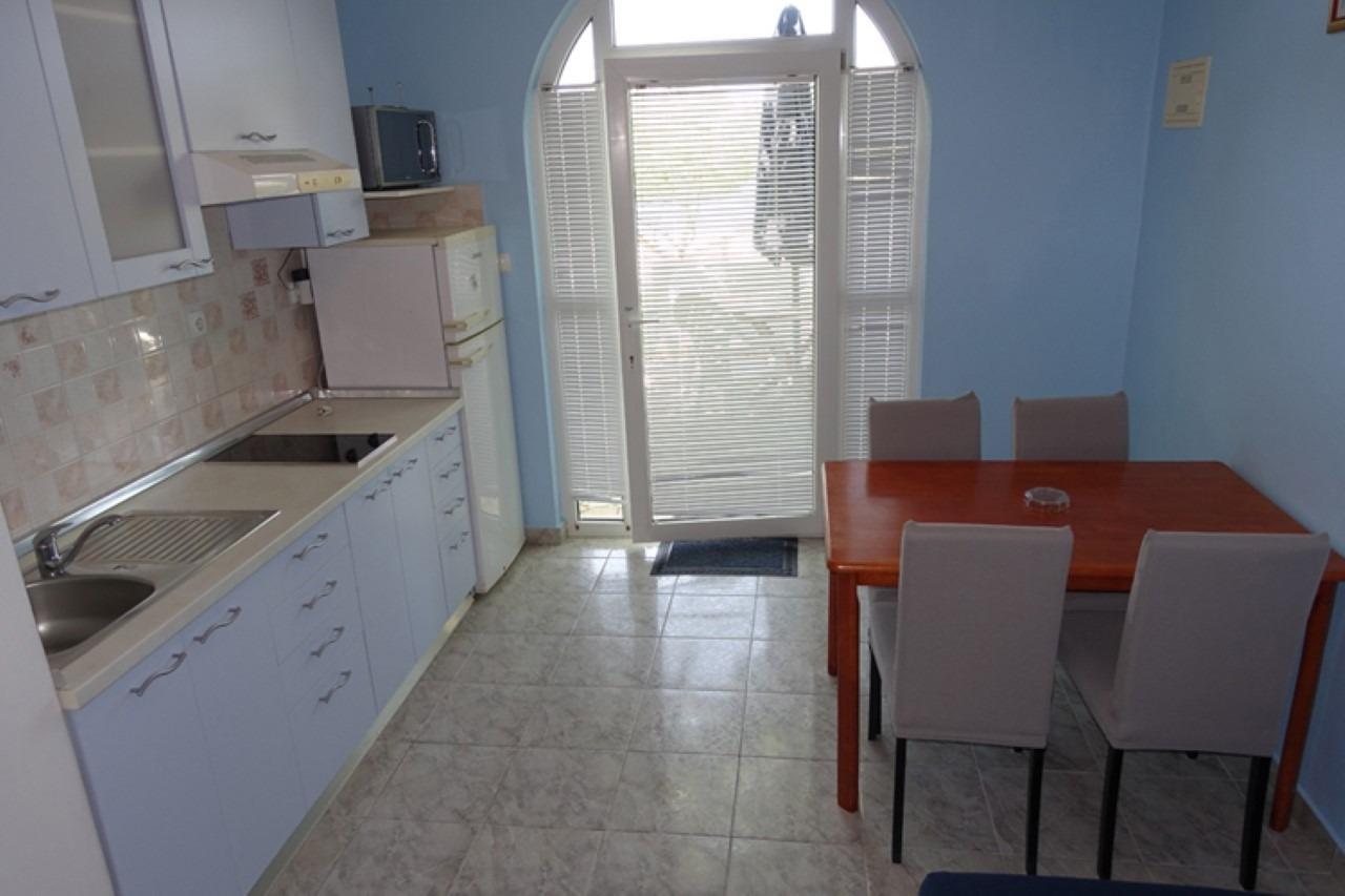 Apartment Apartment Ivo - family friendly: A2 Plavi  Zaton (Zadar), Zadar riviera 50245, Zaton, Dubrovnik, Dubrovnik Region