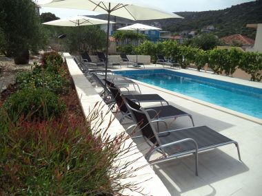 Apartments Mario - apartment with pool: A1(6+2) Marina - Riviera Trogir