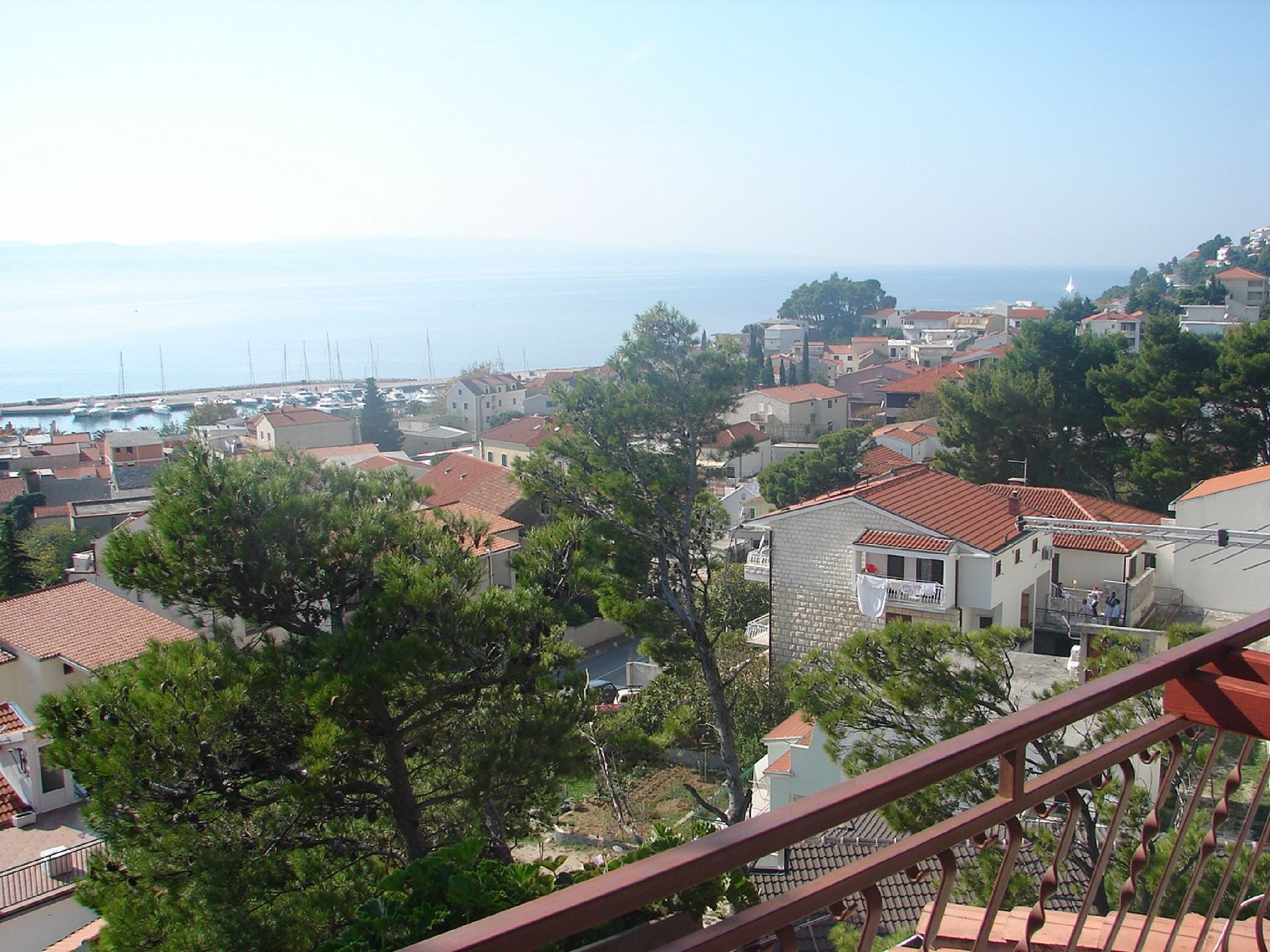 Apartments and rooms Roza A1(5), A2(4+2), R1(2), R2(2) Baska Voda - Riviera Makarska