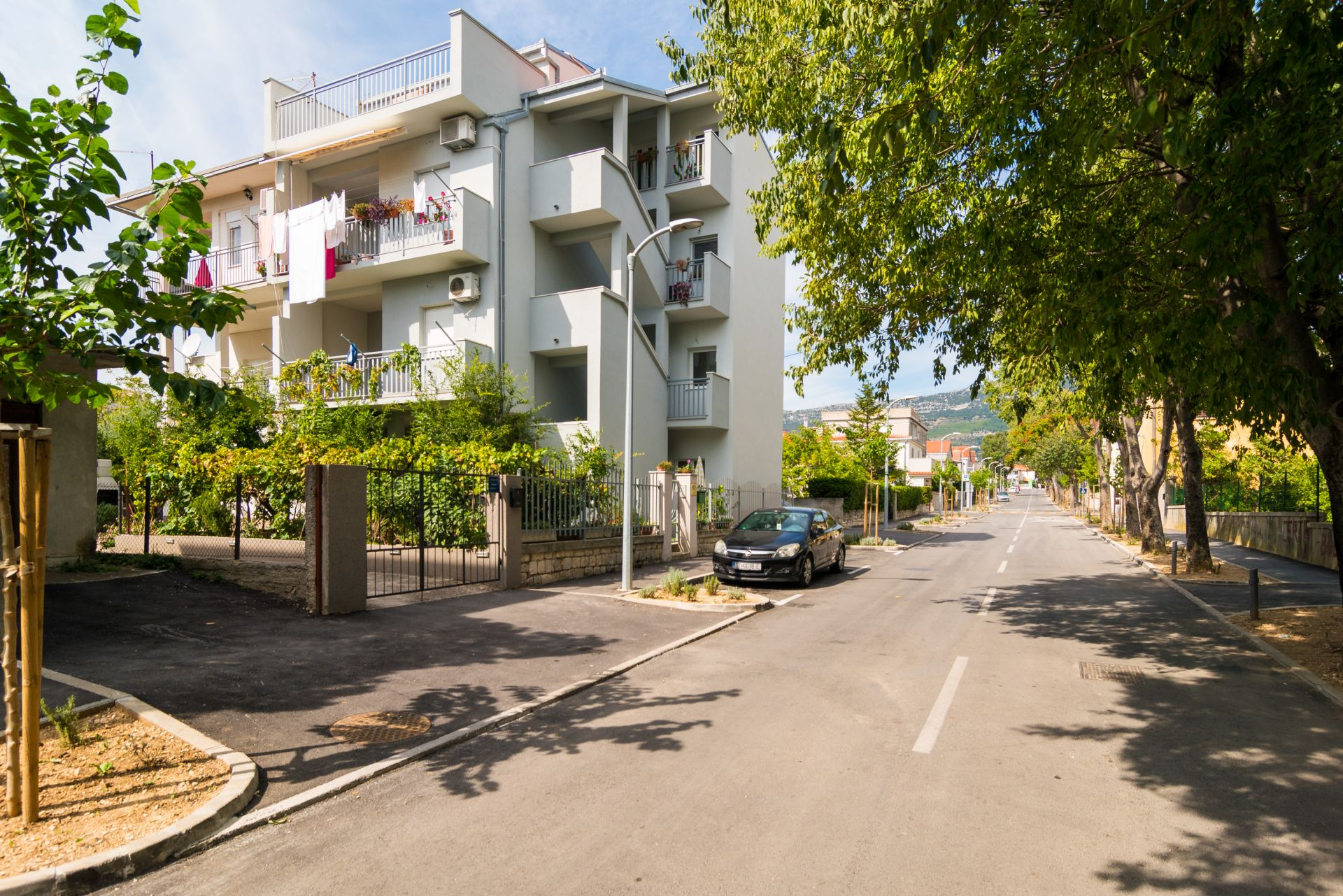 Apartments Jurica - 100 m from sea: A1(3+2), A3(2+2) Kastel Novi - Riviera Split